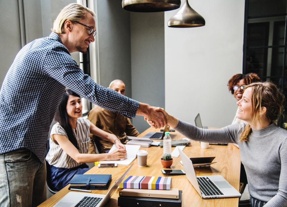 Vzťah medzi zákazníkom a firmou pripomína partnerstvo ...